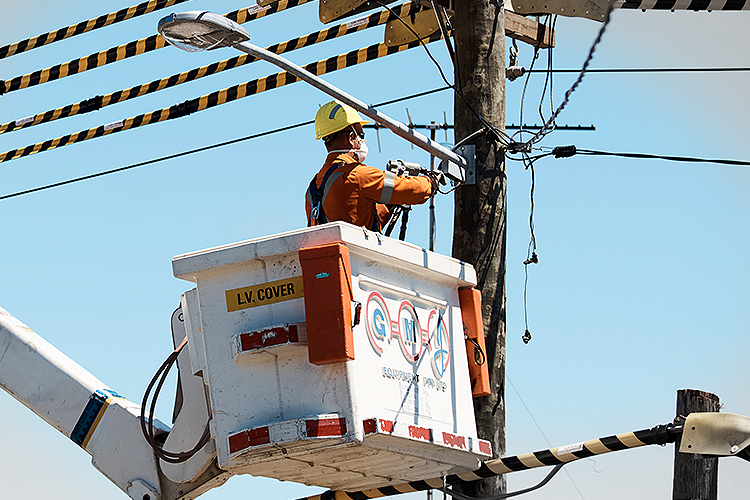 Ausgrid worker in crane
